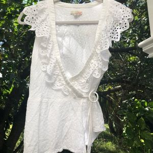 Beautiful lace detail blouse